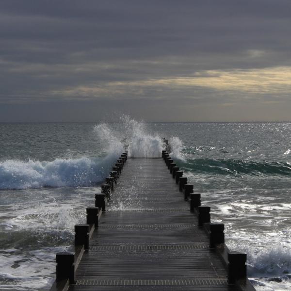 Novemberglück am Meer Küstenglück Gischt